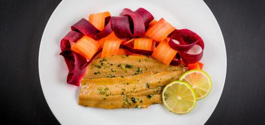 Aringa-marinata-con-nastri-carote