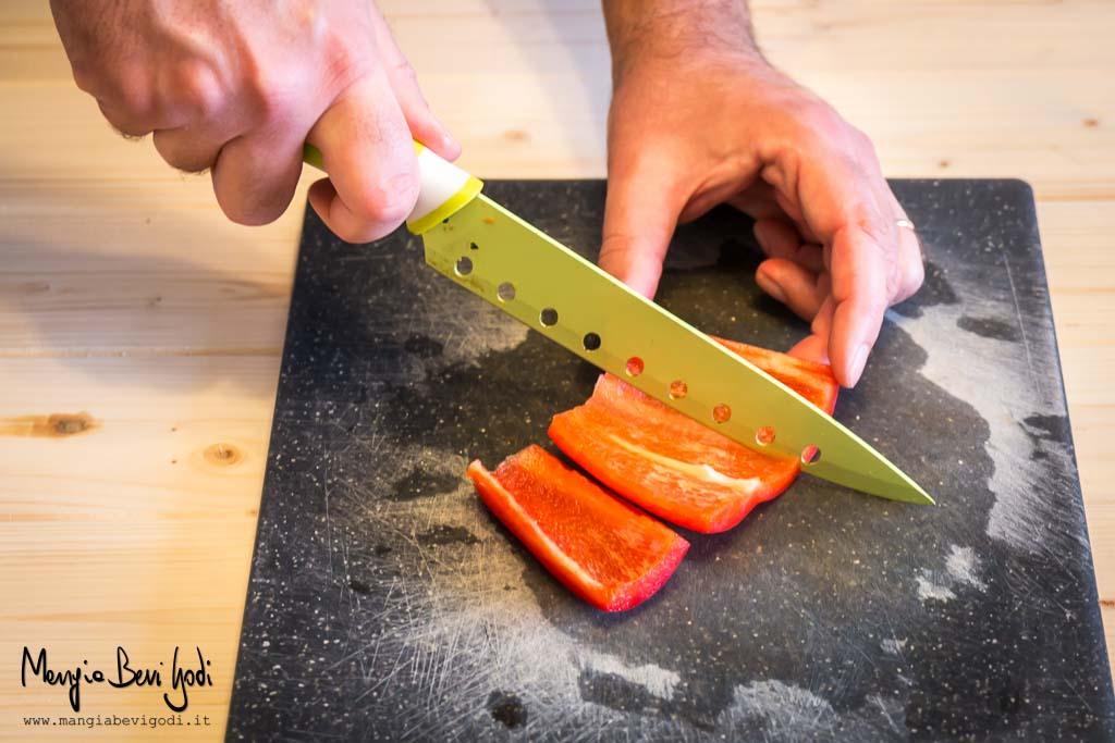 Come tagliare i peperoni a falde