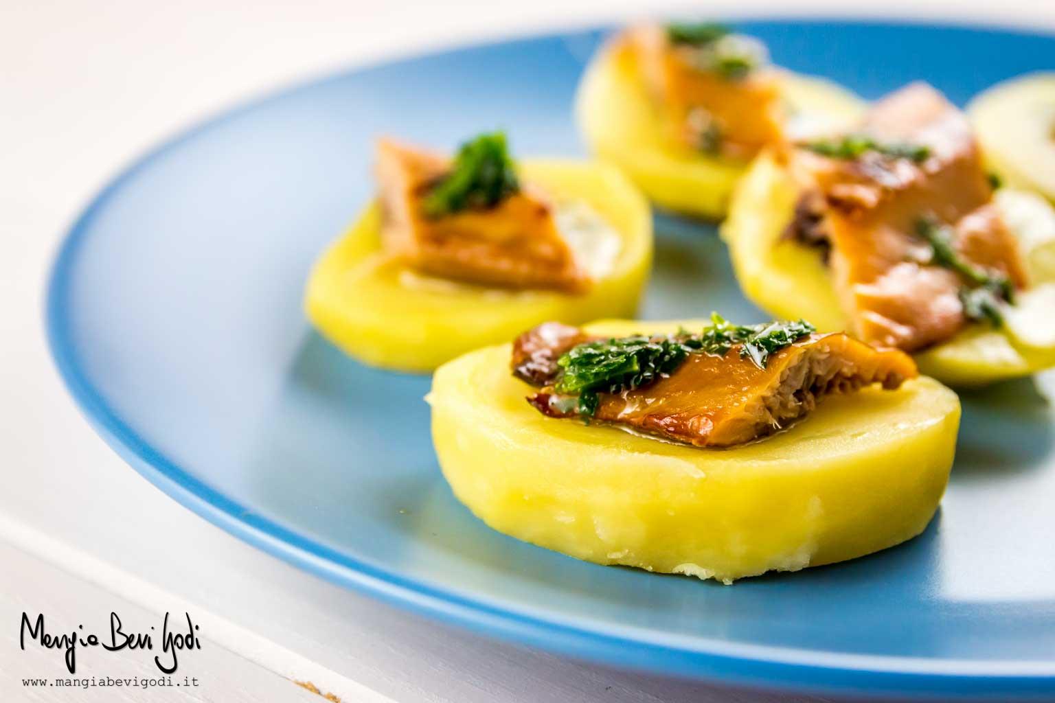 Aringa affumicata grigliata con patate
