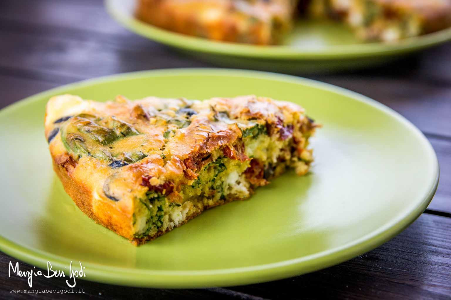 Torta salata feta pomodori olive