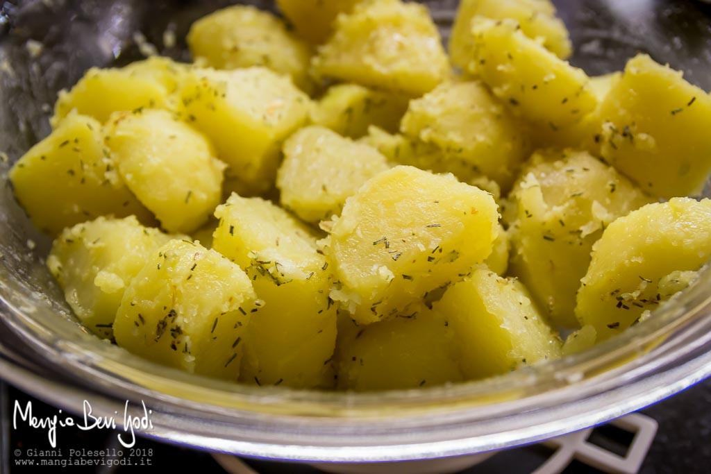 Preparazione patate arrosto