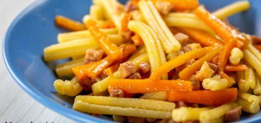 Caserecce con carote e pancetta