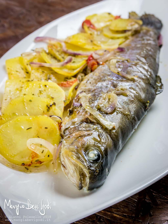 Trota Al Forno Con Patate Mangia Bevi Godi Blog Di Cucina E Ricette