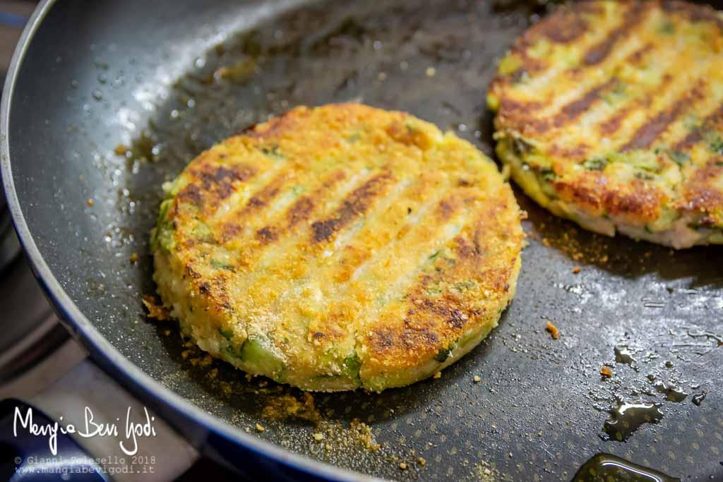 Cottura burger di zucchine