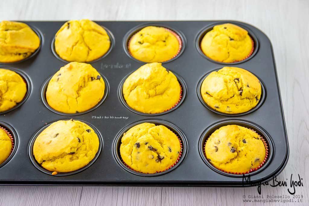 Cottura muffin di carnevale