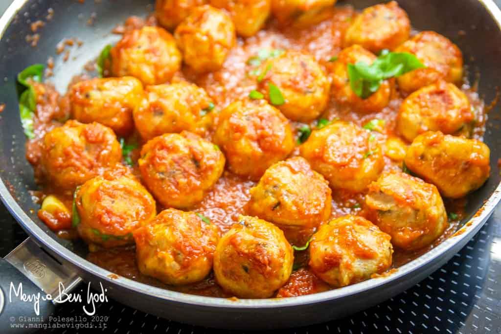 Cottura Preparazione polpette di ricotta e olive in padella