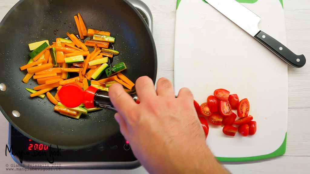 Preparazione insalata di pasta fredda sfiziosa