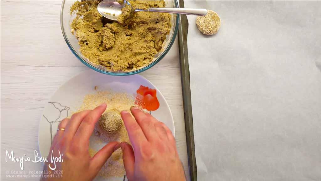 Preparazione polpette di melanzane e ceci