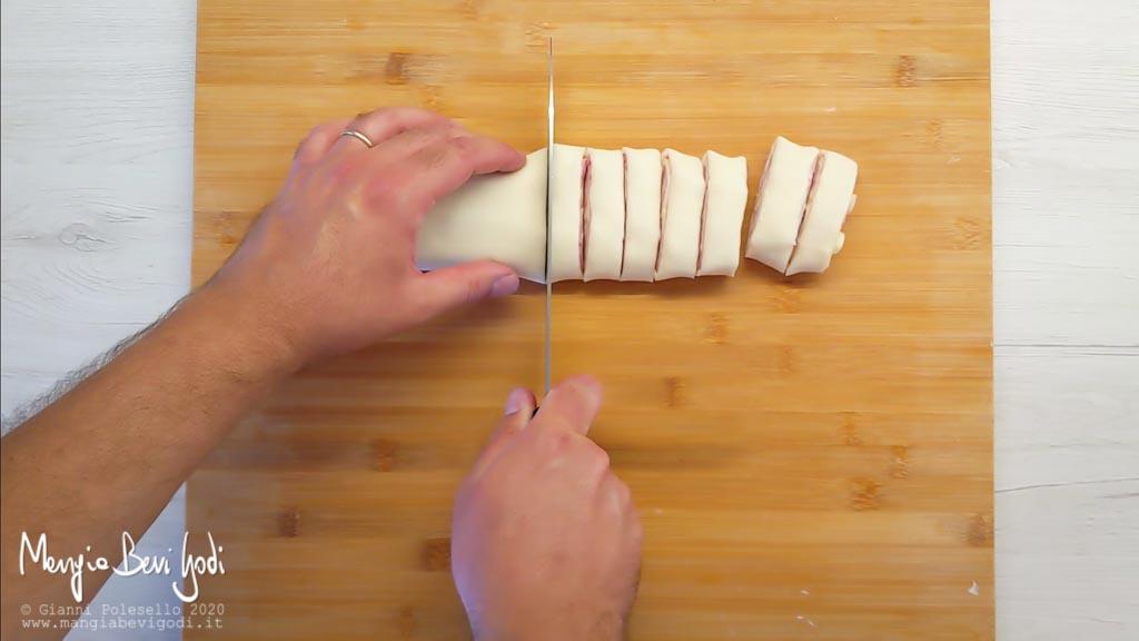 Tagliare la pasta sfoglia