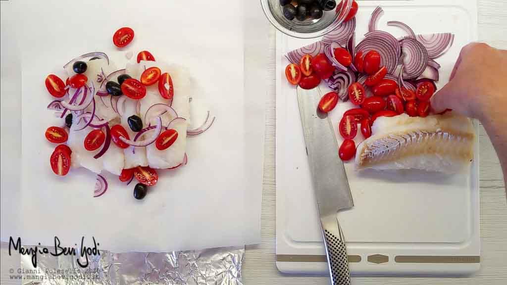 Cottura merluzzo al cartoccio con pomodorini