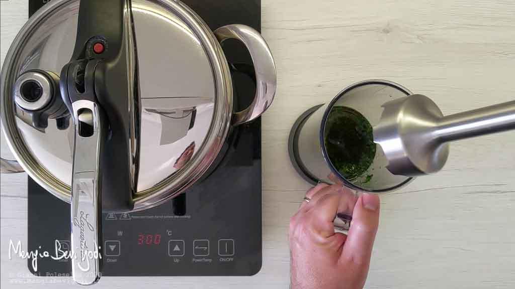 Preparazione salsa di prezzemolo