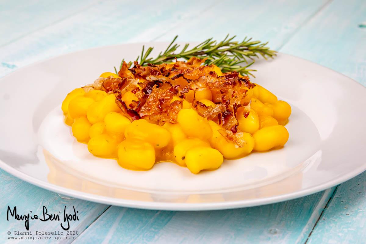 Ricetta Gnocchi Zucca E Pancetta.Gnocchi Alla Zucca E Pancetta Croccante Mangia Bevi Godi Blog Di Cucina E Ricette