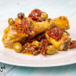 Cosce di pollo in padella alla mediterranea