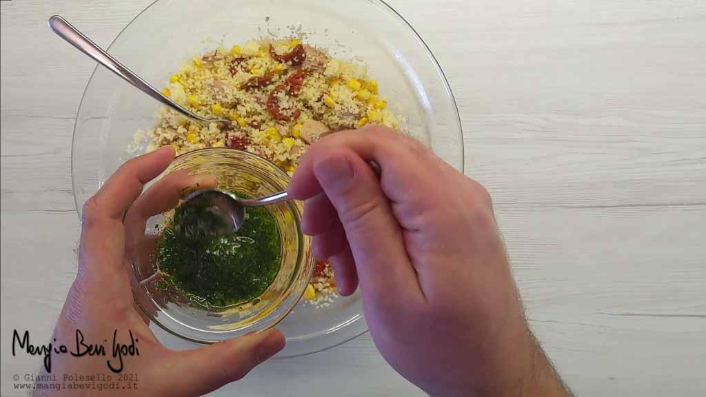 Emulsione con olio, aglio e prezzemolo