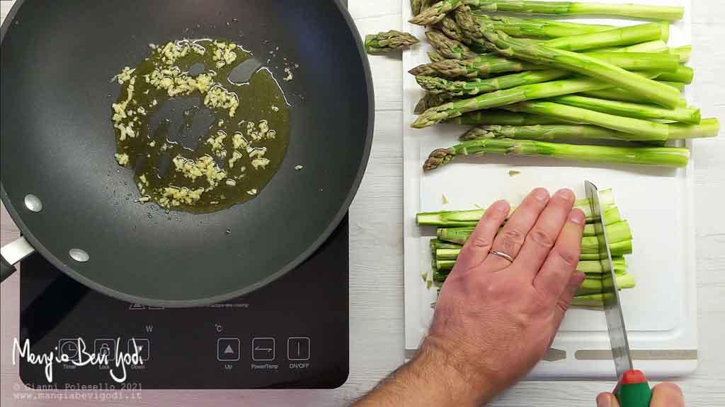 Tritare gli asparagi