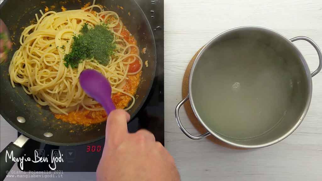 Spadellare gli spaghetti