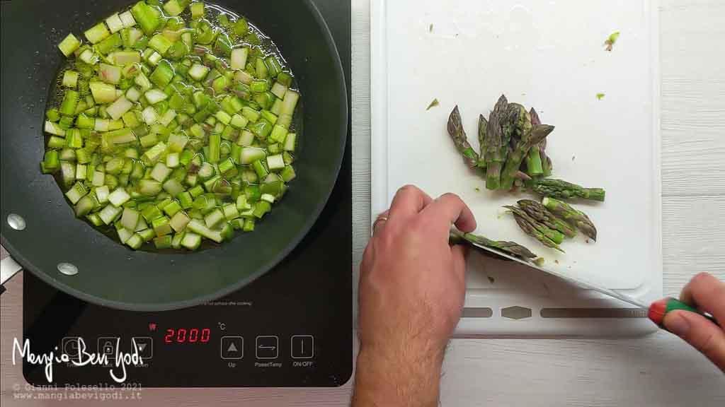 Cottura asparagi in padella