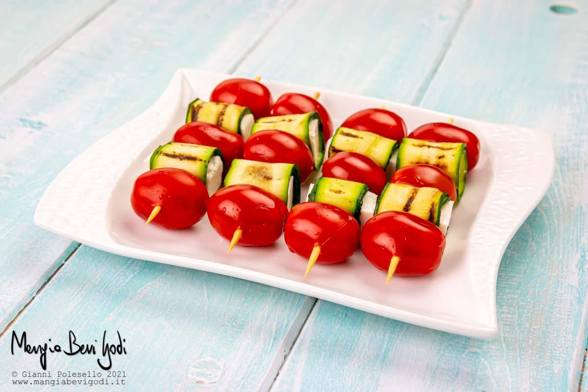 spiedini-estivi-freddi-con-feta-zucchine-pomodorini