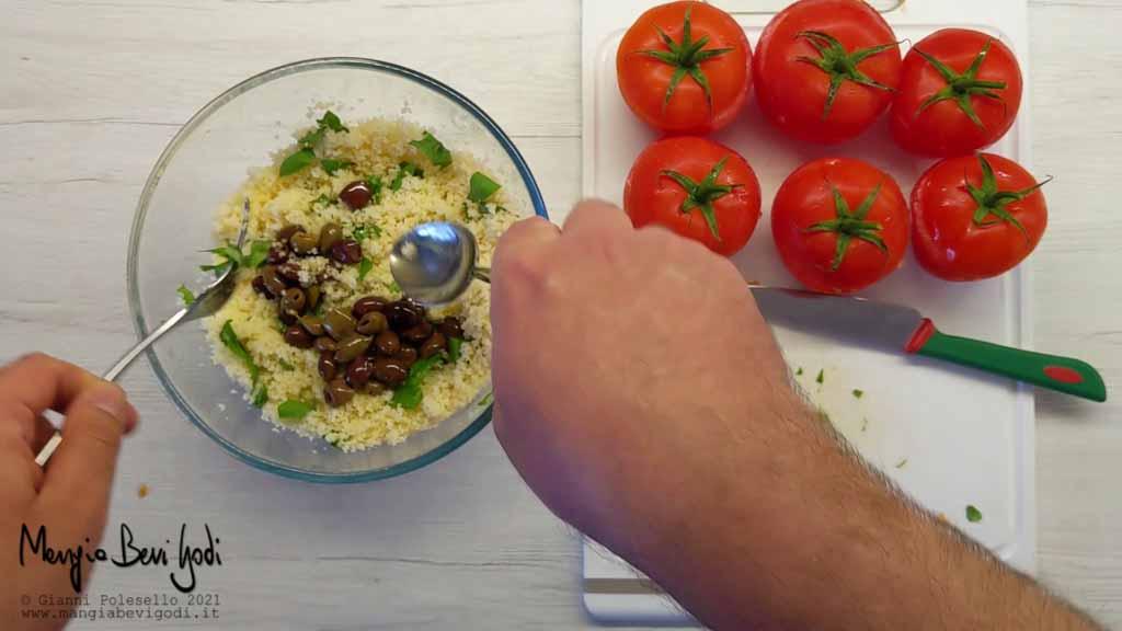 preparazione ripieno per pomodori ripieni